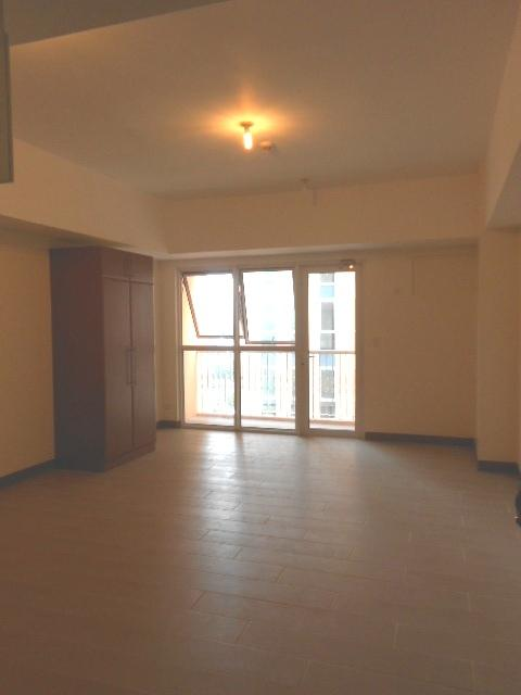 Condominium For Rent in Venezia Drive, Mckinley Hill, Fort Bonifacio, Taguig City, Taguig, Ncr