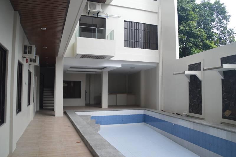 Condominium For rent in Angeles, Central Luzon (region 3)