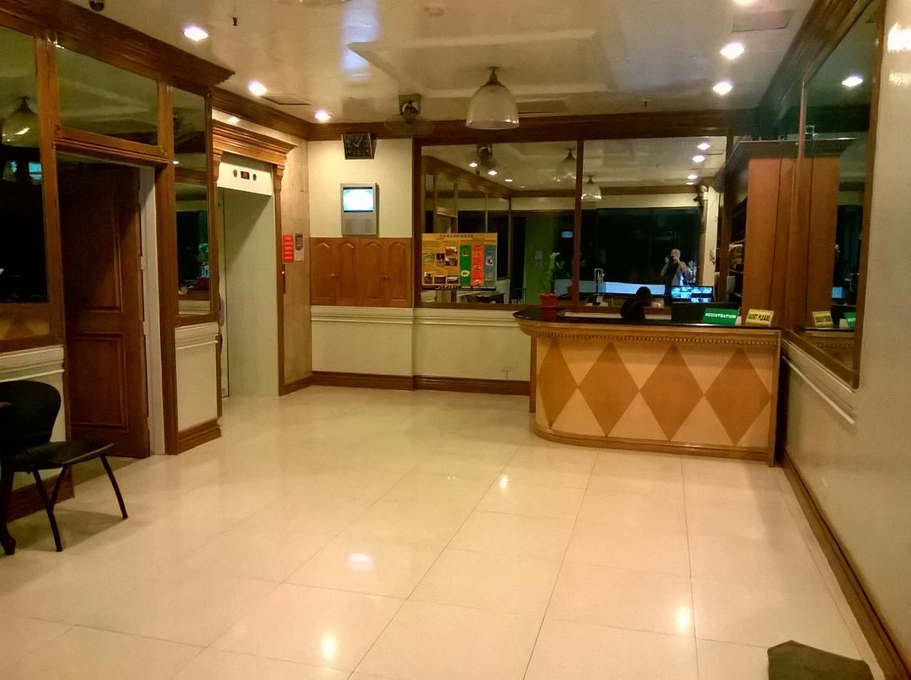 Condominium For Rent in Goldloop Towers Escriva Drive Ortigas Center Pasig, San Antonio, Metro Manila