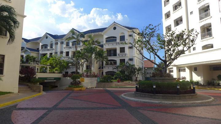 Condominium For Rent in Lee Street, Addition Hills, Metro Manila