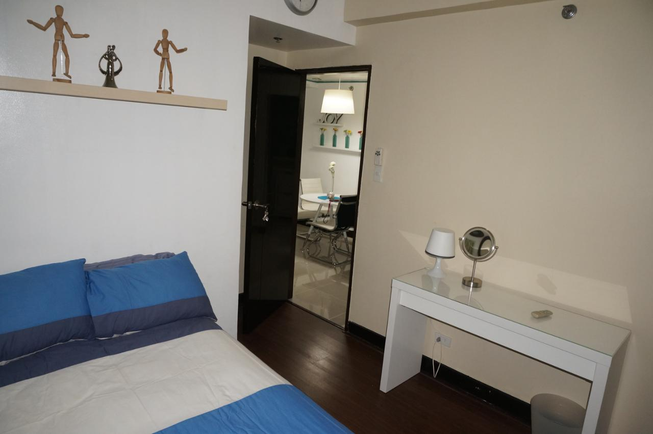 Condominium For Rent in Montecito Residential Resort Newport Pasay, Villamor (newport City), Metro Manila