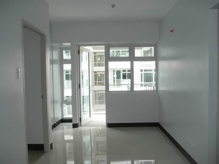 Condominium For Rent in Sales St. Newport City Pasay, Pasay, Ncr