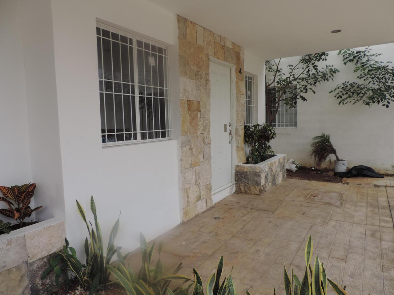 Departamento en Renta Calle Las Águilas, Temozon, Mérida