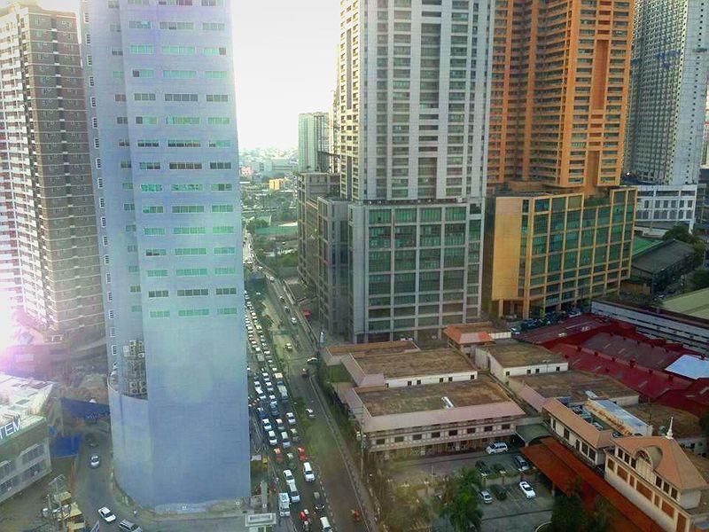Condominium For sale in Pioneeer Street, Buayang Bato, Metro Manila