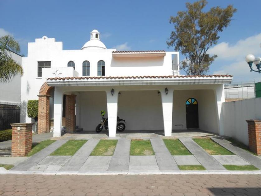 76 casas en renta en san pedro cholula puebla for Casas minimalistas 180m2